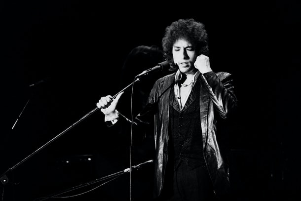 US poet and folk singer Bob Dylan performs on July 4, 1978 at the Pavillon de Paris. AFP PHOTO PIERRE GUILLAUD        (Photo credit should read PIERRE GUILLAUD/AFP/Getty Images)