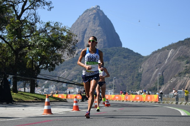RIO DE JANEIRO, BRAZIL - AUGUST 14: USA's Desiree Linden competes in the Women's Marathon during the athletics event at the Rio 2016 Olympic Games at Sambodromo in Rio de Janeiro on August 14, 2016.  (Photo by Johannes EISELE-Pool/Getty Images)