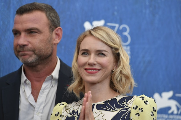 Actors Liev Schreiber and Naomi Watts attend the photocall of the movie 'The Bleeder' presented out of competition at the 73rd Venice Film Festival on September 2, 2016 at Venice Lido. / AFP / TIZIANA FABI        (Photo credit should read TIZIANA FABI/AFP/Getty Images)
