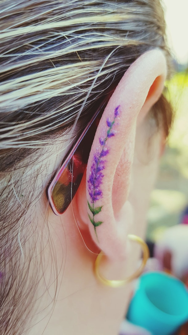 subtle floral design tattoos are trendy and perfect for couples