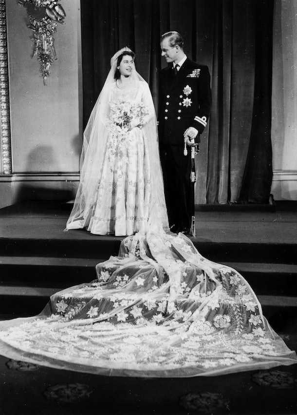 Princess Elizabeth posed for photos with her new husband Prince Philip at Westminster Abbey in 1947.