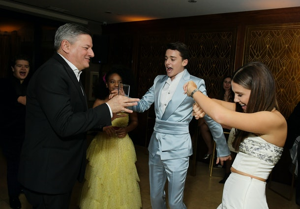 """Millie Bobby Brown dances with some of her """"Stranger Things"""" co-stars at the SAG after party."""