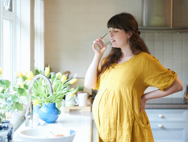 Drinking plenty of water can be one pregnancy sciatic remedy to try.