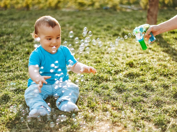 Babies love bubbles because it helps keep their eyes alert and moving.