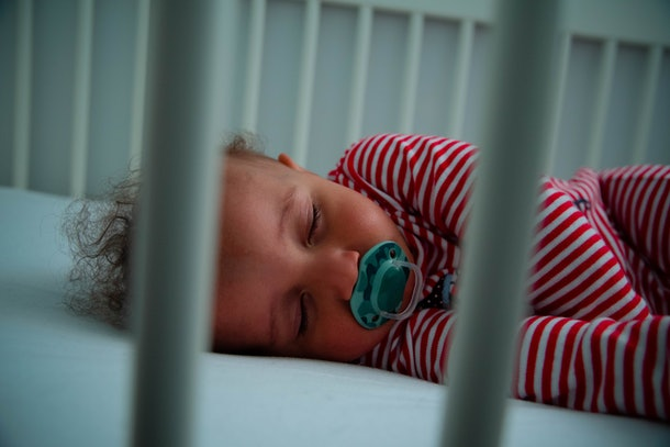 As long as you keep the volume low, white noise machines shouldn't delay a toddler's speech.