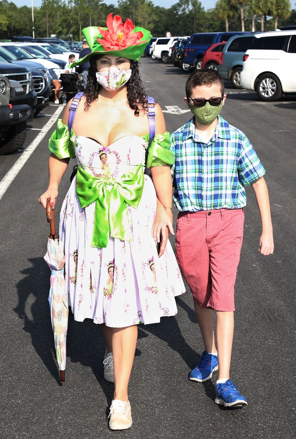 One guest got inventive with her face mask by matching it to her gown.