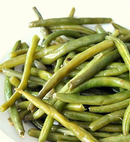 close up image of cooked green beans