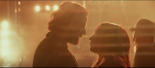 Bradley Cooper and Lady Gaga face to face, Star Is Born movie trailer