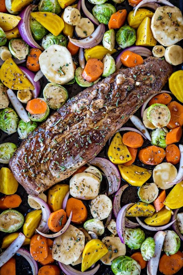 sheet pan recipes with pork, Fall Sheet Pan Pork Tenderloin With Honey Balsamic Roasted Vegetables