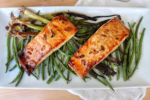 Honey-Sesame Broiled Salmon with Scallions recipe from The Skinny Pig is a healthy, beautiful meal that will impress guests