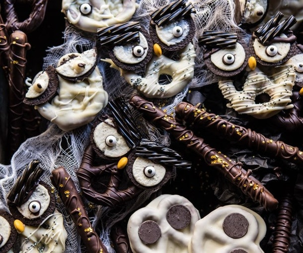 Spooky Chocolate covered pretzels recipe
