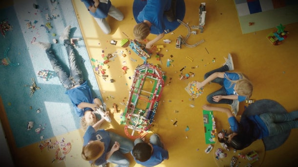 LEGO RePlay Program, kids playing with LEGOs