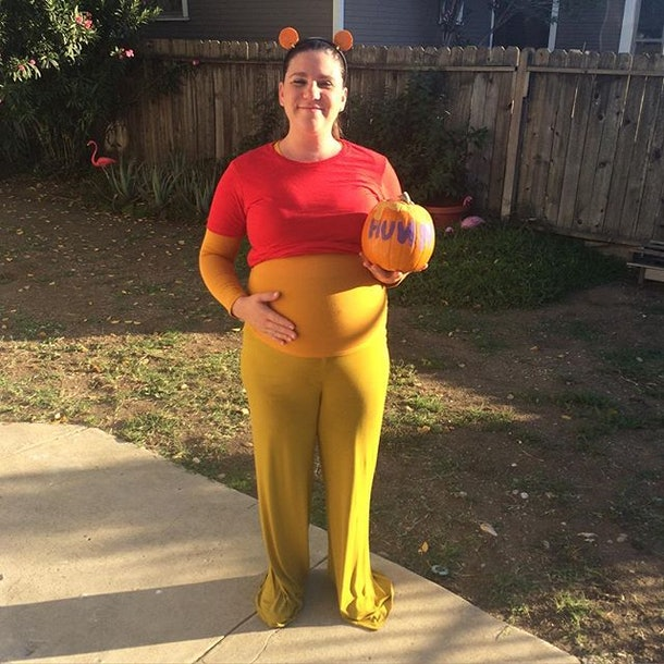 Winnie The Pooh Halloween Costume, Clever pregnancy costume, clever maternity costume