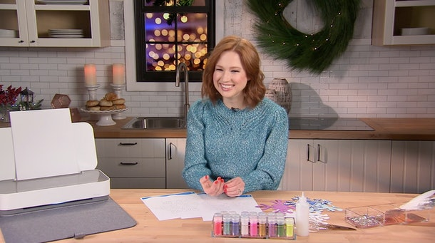"""Ellie Kemper talks to Romper about her """"Get Real"""" initiative"""