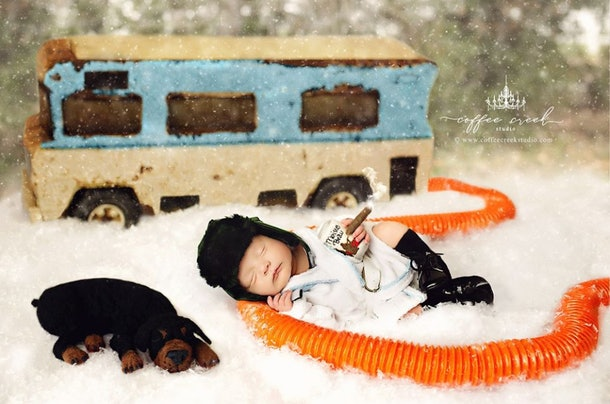 'Christmas Vacation' fans will love this newborn photo shoot featuring a tiny cousin Eddie and Clark Griswold.