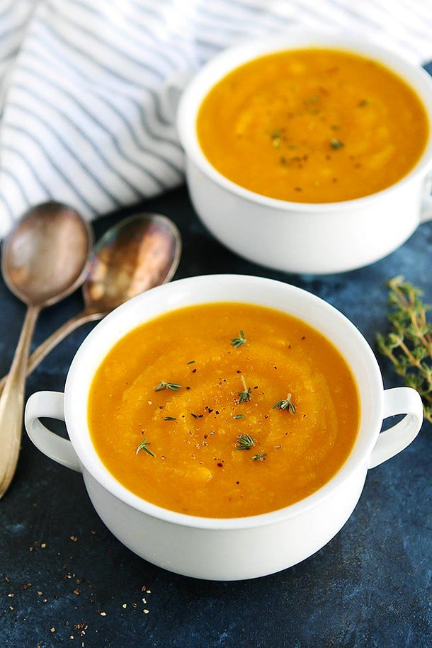 Instant Pot Butternut Squash Soup is perfect for taking to Friendsgiving 2019.