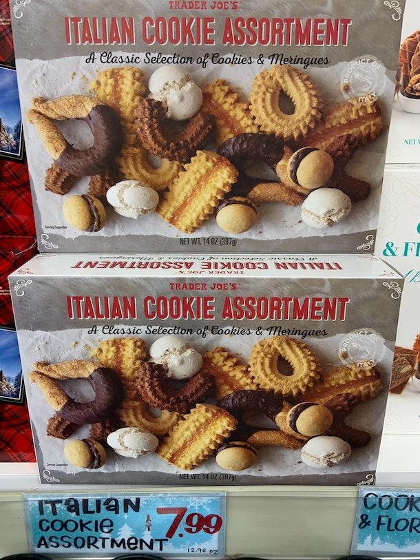 best trader joe's holiday desserts: italian cookie assortment