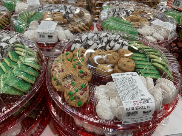 Holiday Cookie Tray 70 ct