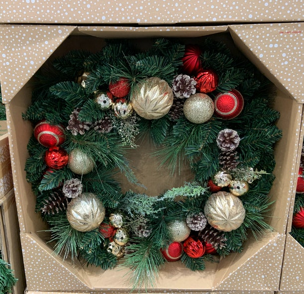 30 Inch Decorated Red & Gold Wreath