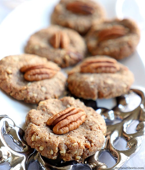 These pecan pie cookies are paleo and only need three ingredients.