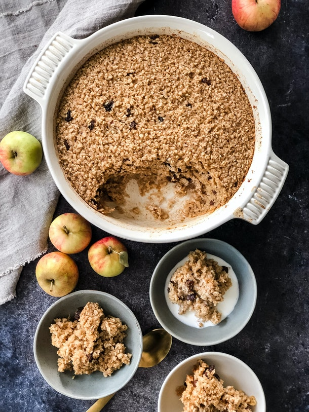 Apple Pie Baked Oatmeal is a one-pot breakfast meal that kids will love.