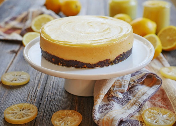This lemon cheesecake is a perfect Instant Pot dessert for your Super Bowl party.