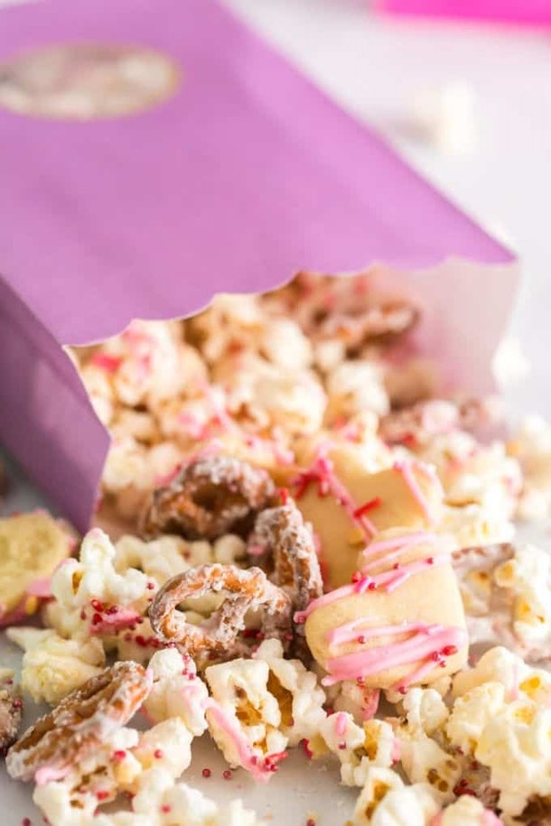 Valentine's Day Snack mix is a sweet and salty way to make a Pinterest-Worthy Valentine's Day recipe.