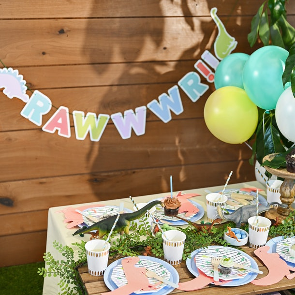 coterie dino-mite party set