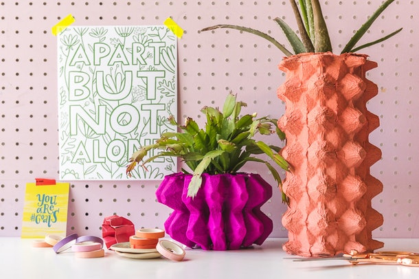 Recycled egg carton vase is an easy mother's day craft kids can make