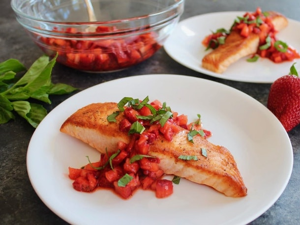 pan seared strawberry salmon