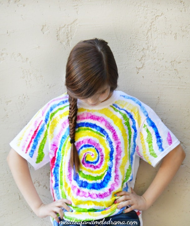 Sharpie Tie-Dye T-shirts are an easy tie-dye craft to do with your kids.