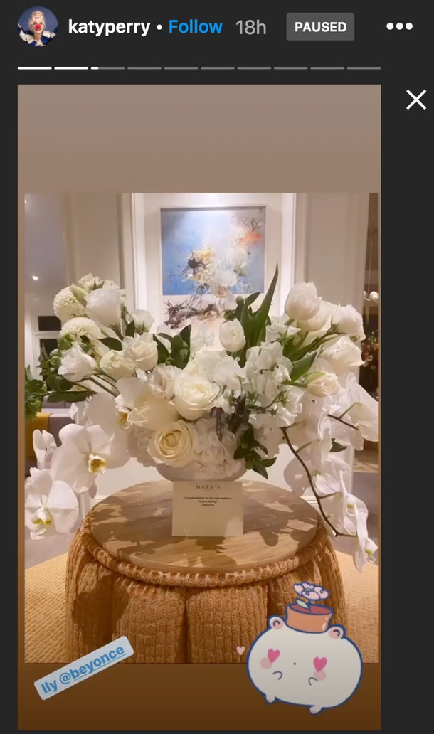 Beyoncé gifted Katy Perry a super sweet bouquet congratulating her on the birth of her daughter.