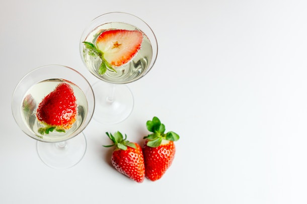 Fresh stawberry in sparkling water - healthy drink concept