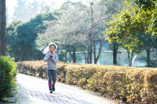 Experts say your child's independence in the neighborhood depends on several factors like safety and maturity.