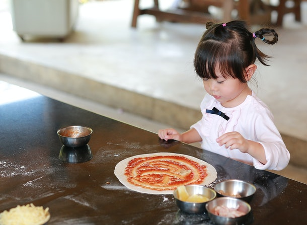 A pizza party is a great way to give your kid a fun afternoon without a gift.